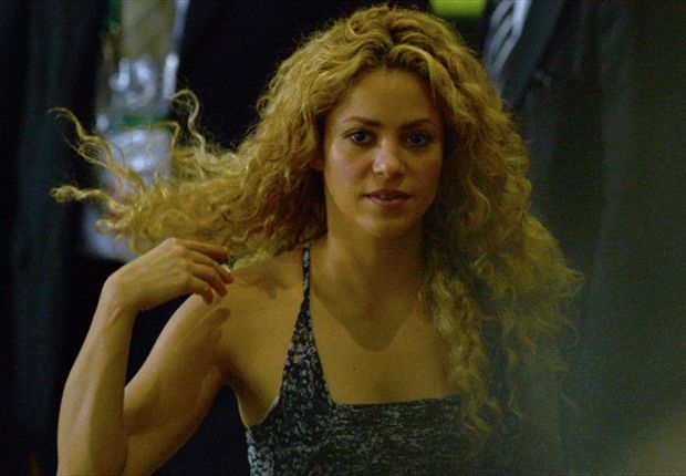The ref's lips don't lie: Pique red sparks Shakira abuse