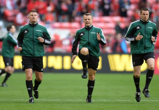 Björn Kuipers en assistenten slaagden voor de test Brazilië - Spanje