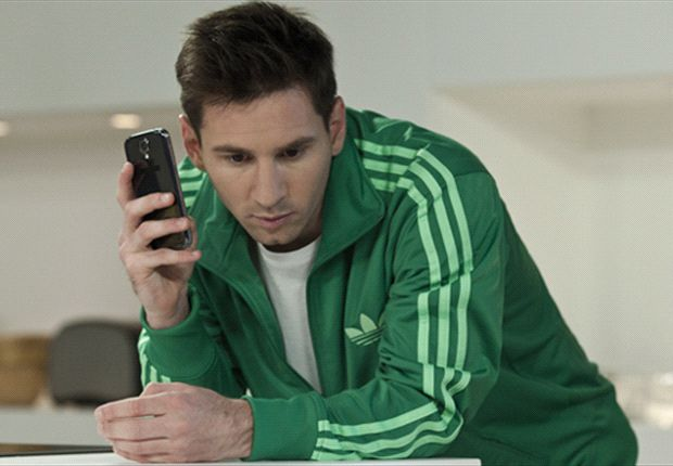 Iklan WeChat menampilkan salah satu bintang sepakbola dunia, Lionel Messi.