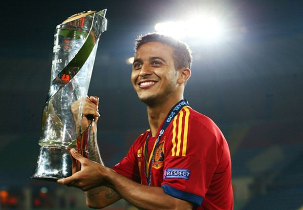 Thiago and Isco named in youthful Spain squad