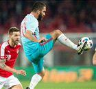 VIDEO: Arda Turan punishes goalkeeper