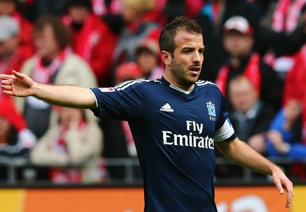 Van der Vaart sets sights on Europe