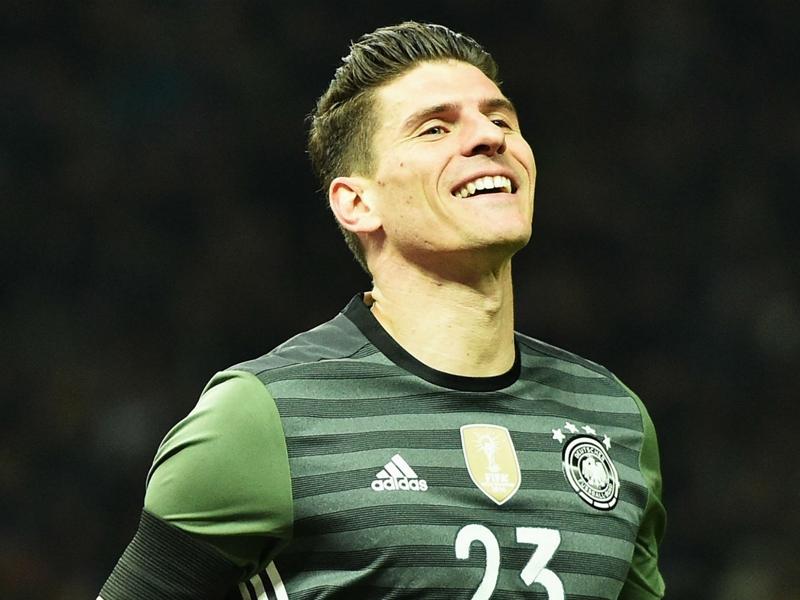 Ora che è tornato Super Mario, Gomez sogna Euro 2016: Pronto a dare tutto