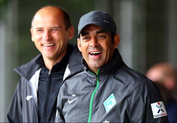 Endlich wieder ein Grund zu lachen: Werder Bremens Coach Robin Dutt