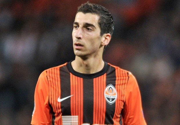 Liverpool target Mkhitaryan completes Dortmund move
