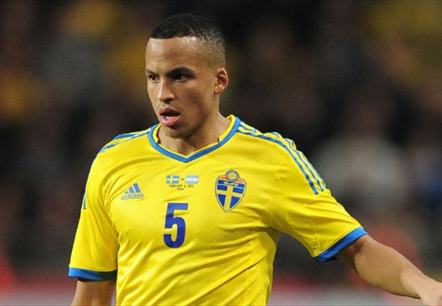 Hughton influential in Norwich move, says Olsson