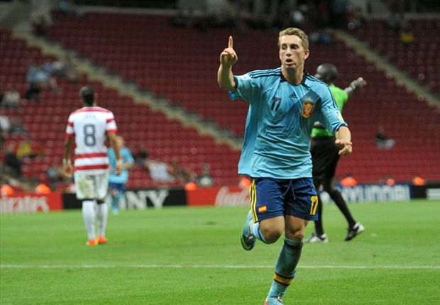 Everton signs Barcelona forward Deulofeu on loan