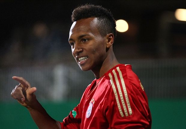 Bayern's Julian Green signs first professional contract