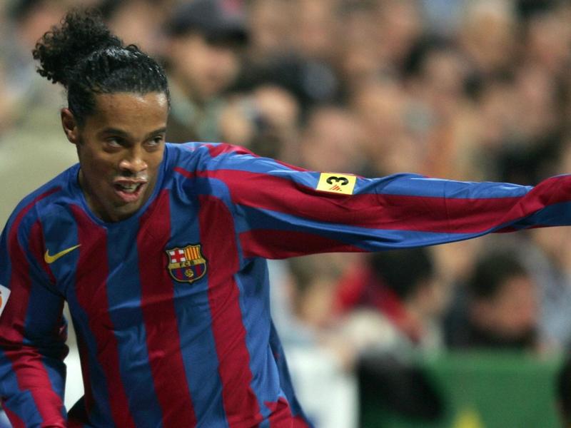 """Ronaldinho fait l'éloge de Zidane : """"Tu es l'un des meilleurs joueurs de tous les temps"""""""