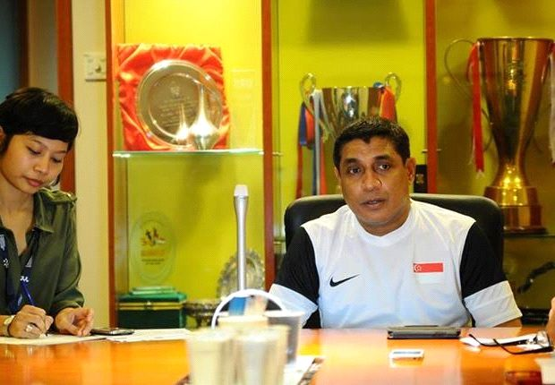 Singapore U23 assistant Balagumaran standing in for unwell head coach Sundram (Photo: FAS)