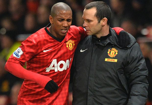Ashley Young withdraws from England squad to face Scotland