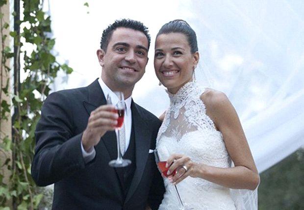 Xavi dan Cunnilera, resmi jadi suami istri.