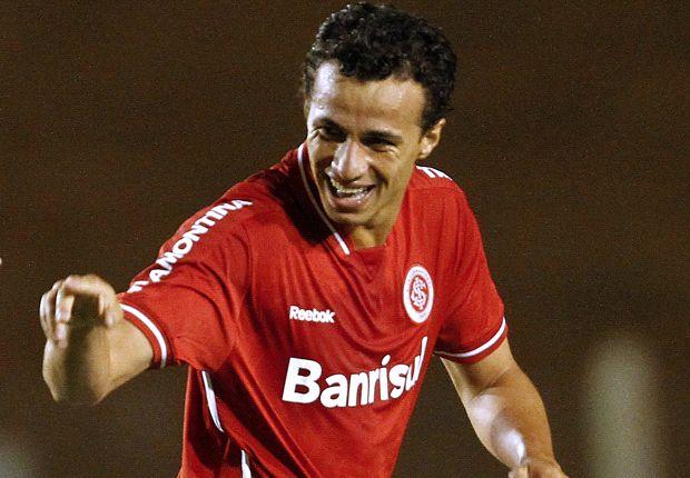 Leandro Damiao lebih diinginkan dibanding Gonzalo Higuain.