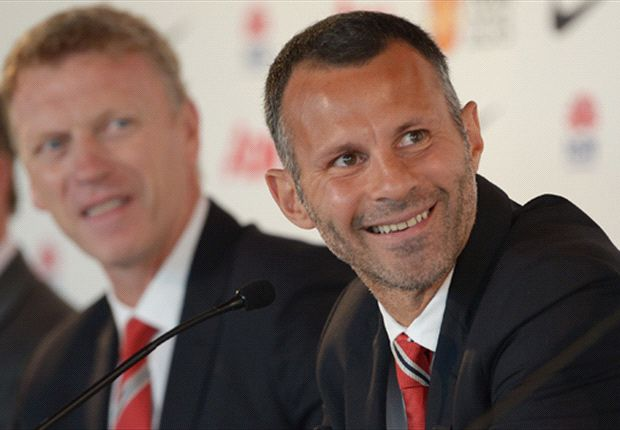 Giggs relishing 'balancing act' of playing and coaching at Manchester United