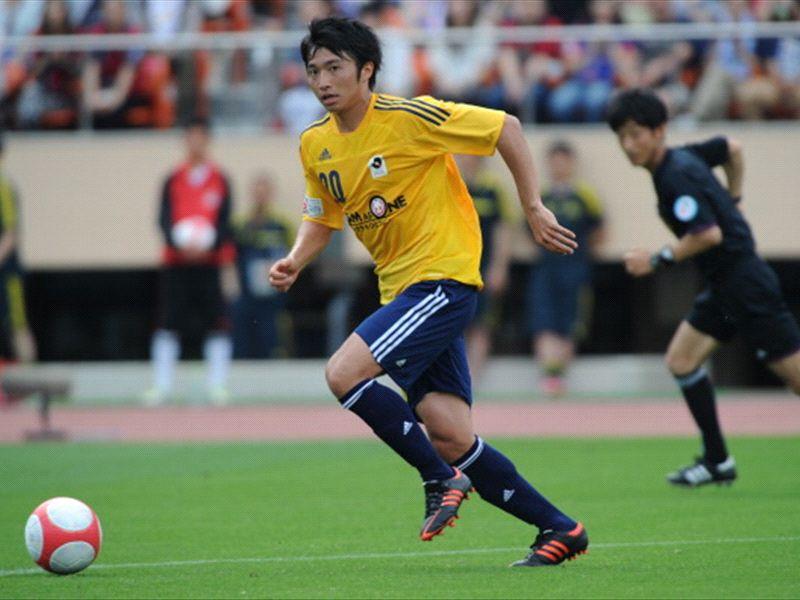 柴崎、体調不良で東アジアカップ辞退
