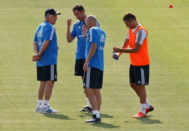 Entrenamiento de Real Madrid, con Carlo Ancelotti y Zinedine Zidane