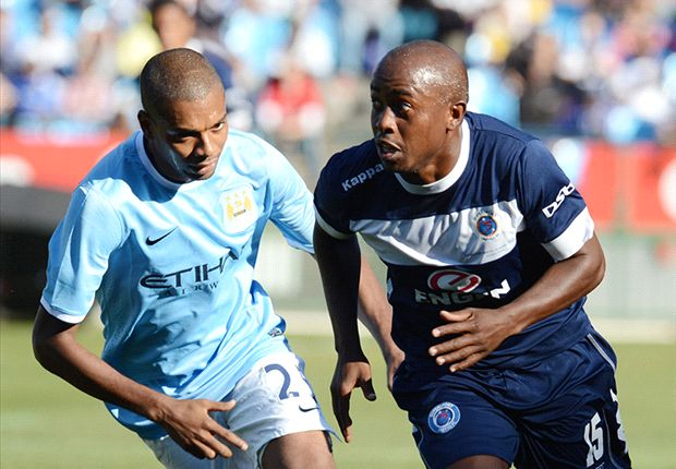 Fernandinho honoured after Manchester City debut