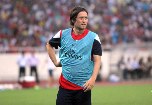 Arsenal midfielder Rosicky excused from Czech Republic duty