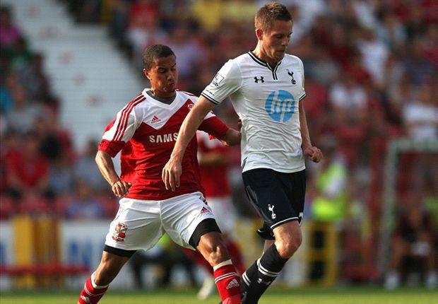 Tottenham boss Villas-Boas pleased after Swindon draw