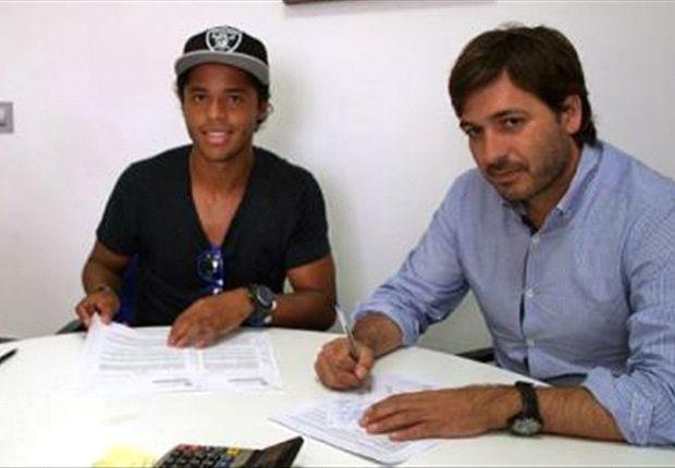 Giovani dos Santos ya está en Villarreal para ser presentado