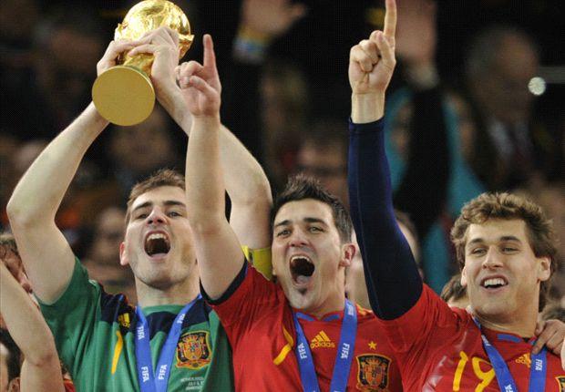 Casillas, Villa y Llorente, campeones del mundo.