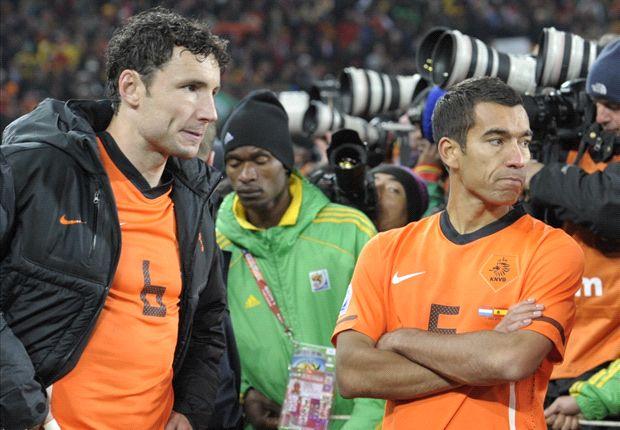 Van Bronckhorst ziet Oranje als een kanshebber voor de eindzege op het WK
