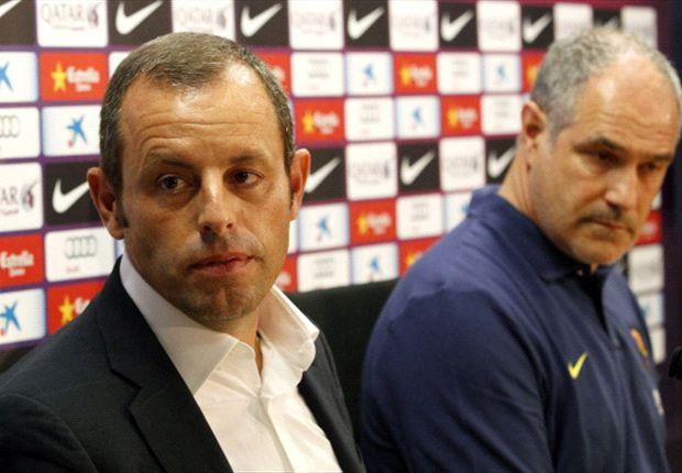 Presiden Barca Sandro Rosell dan direktur olah raga Andoni Zubizarreta akan buat keputusan sulit.