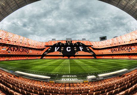 Valencia challenged over 'Batman' crest