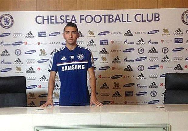 Chelsea presentó a Cristián Cuevas