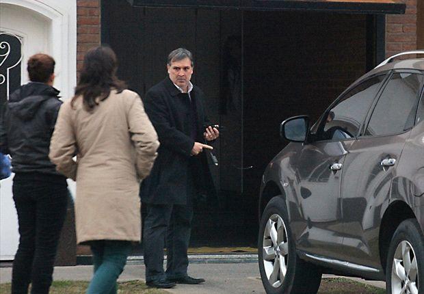 Martino, en la puerta de su casa en Rosario.
