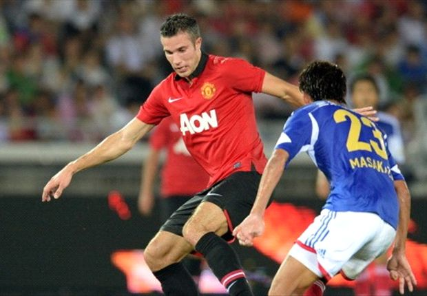 Moyes sweats on Van Persie and Welbeck fitness