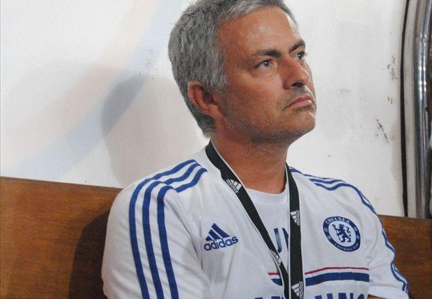 Jose Mourinho membantah pernyataan Massimo Moratti yang menyebutkan ia akan kembali ke Inter