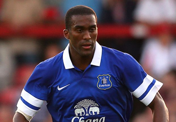 Everton defender Distin hungry for European football