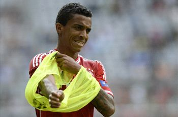 Wolfsburg confirms Luiz Gustavo pursuit