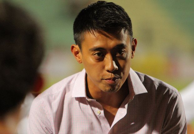 Santos believes his Sparks side can play well on the artificial turf in the second leg