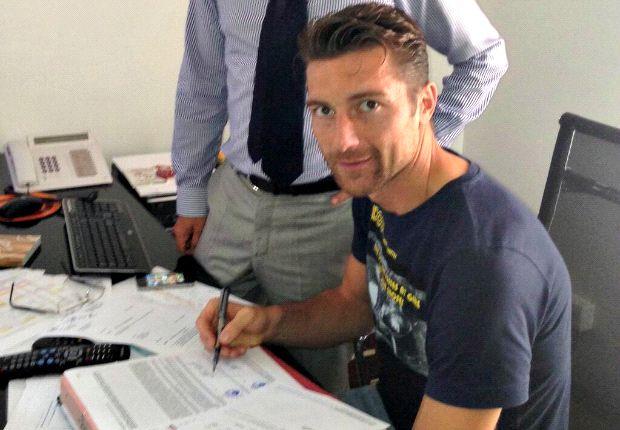De Sanctis firma il suo contratto con la Roma