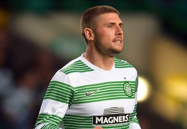 Norwich sign Hooper from Celtic