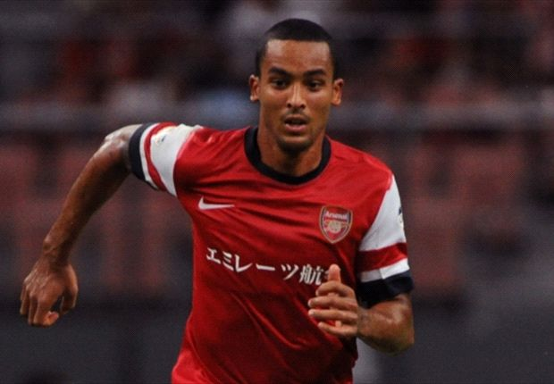 Walcott looking forward to playing alongside Ozil at Arsenal
