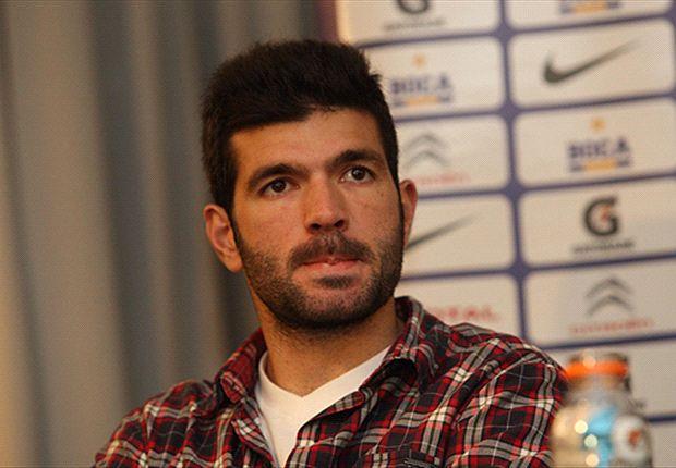 Emmanuel Gigliotti se entrena en Boca pero AFIP presentó una inhabilitación para que no lo inscriban.