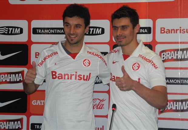 Scocco fue presentado en el Inter junto al brasileño Alex