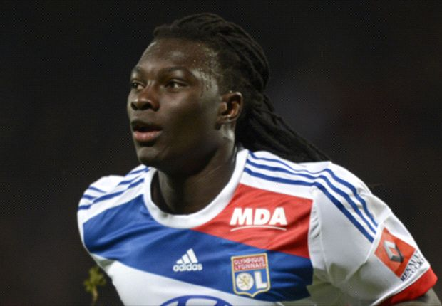 Newcastle agree fee for Lyon striker Gomis