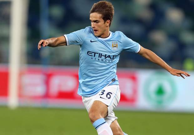 Official: Barcelona sign Denis Suarez from Manchester City