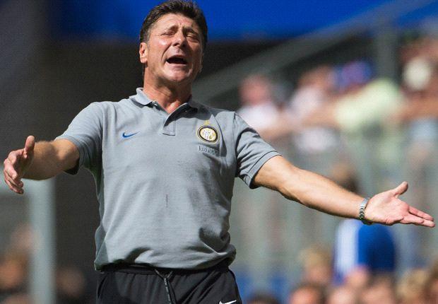 FC Internazionale Kalah, Walter Mazzarri Pasang Badan
