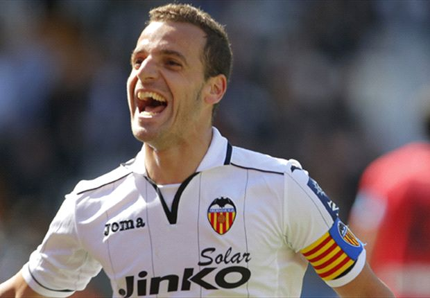 Tottenham agree deal with Valencia for Soldado