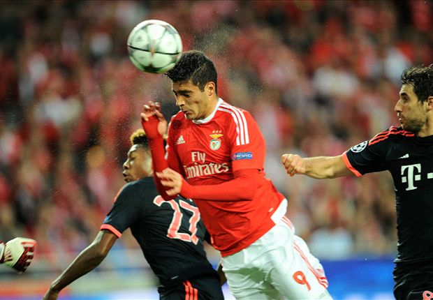 Benfica 2-2 Bayern Munich (agg. 2-3): Vidal & Muller send Pep's side through