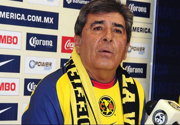 Carlos Reinoso todavía no asimila la partida del delantero ecuatoriano