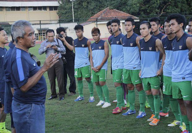 Djohar Arifin Husin saat memberikan pengarahan kepada para penggawa timnas U-19.