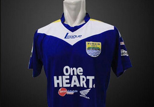 Jersey kandang Persib Bandung meraih poin tertinggi dalam polling pembaca.