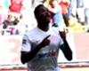 Samuel Eto'o visita al Barcelona y da ánimos a la plantilla