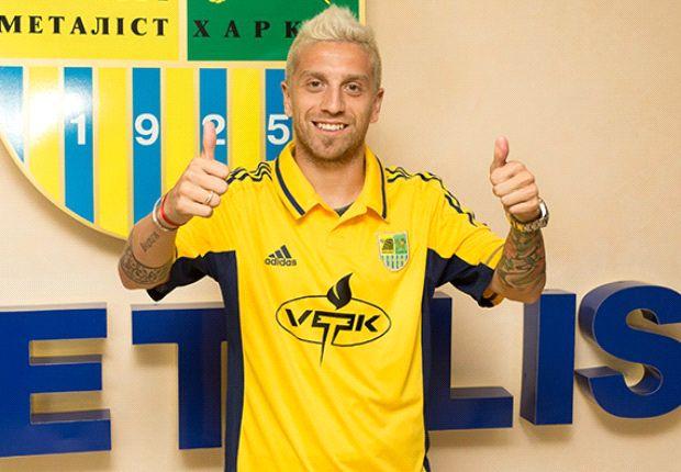 Papu Gómez llegó desde Catania para jugar Champions y ahora no participará por la sanción.